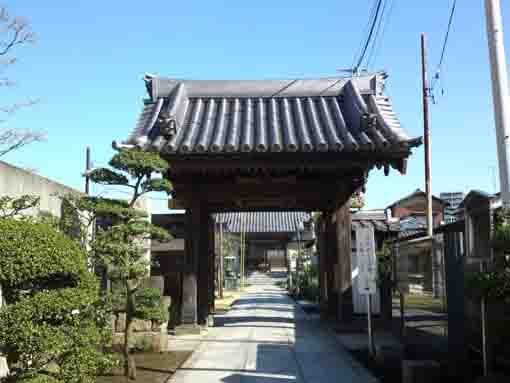 the sanmon gate of Enmyoin Temple