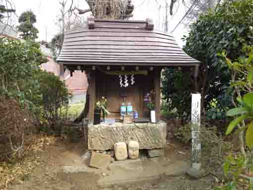 the small shrine called Himemiya Shrine