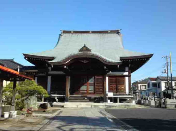 the main hall of Honkyuji Temple