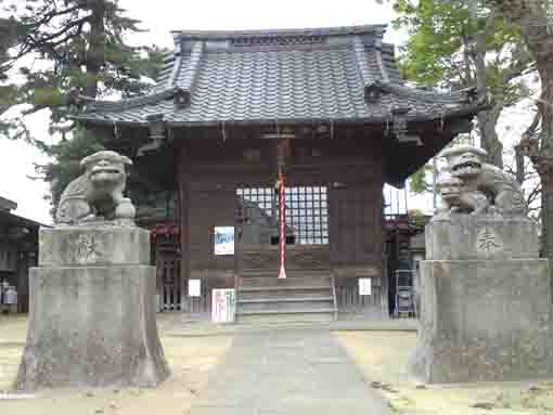 the main hall in Hachiman Jinja