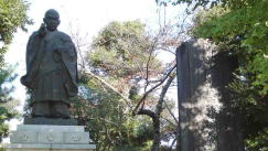 the first abbot, Nichijyo of Hokekyo-ji