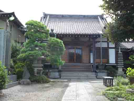 the main hall of Inarisan Sorinji Temple